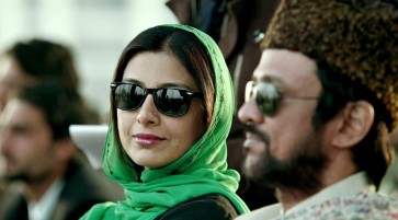 Tabbu-Sunglasses-Haider-Movie-HD-Wallpaper